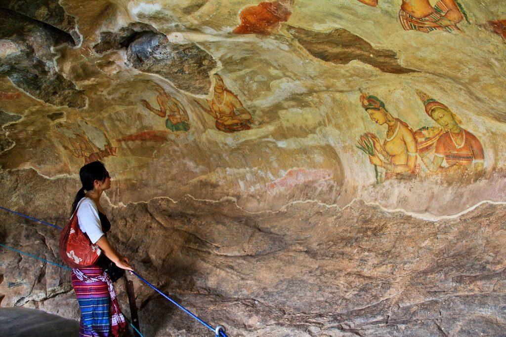 watching sigirirya fresco, Sri Lanka budget trips